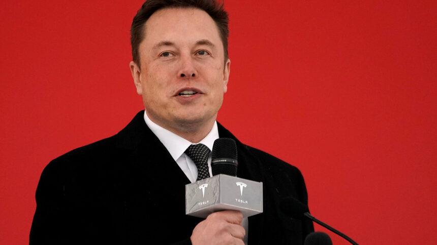 """Мъск обеща да пусне """"роботакси"""" на пазара догодина"""