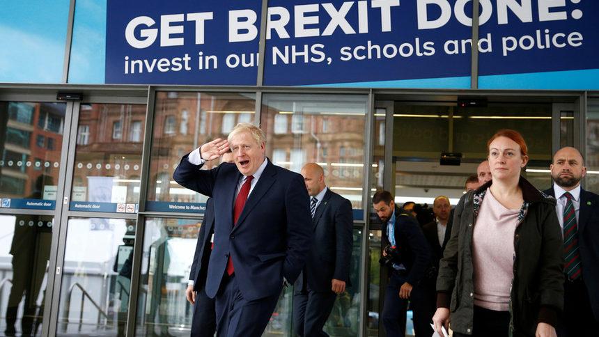 Джонсън обърка всички с плана си за Брекзит